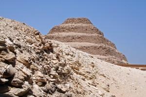 saqqara, piramide a gradoni, egitto